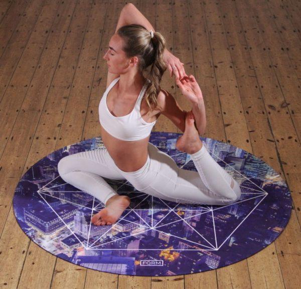 Donna Yoga Articolazioni libere